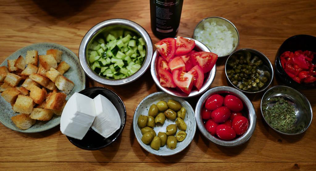 L1330339 2 - Moderne gresk salat