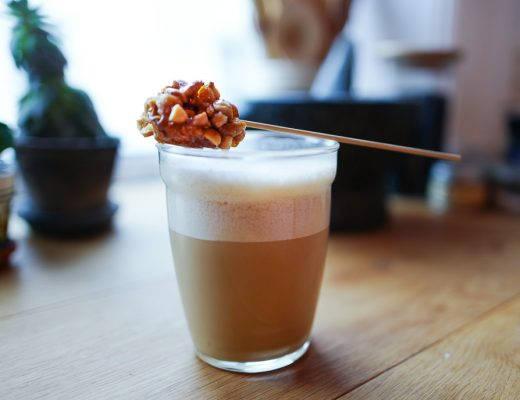 L1340761 520x400 - Vietnamesisk kokoskaffe med peanøttkaramell