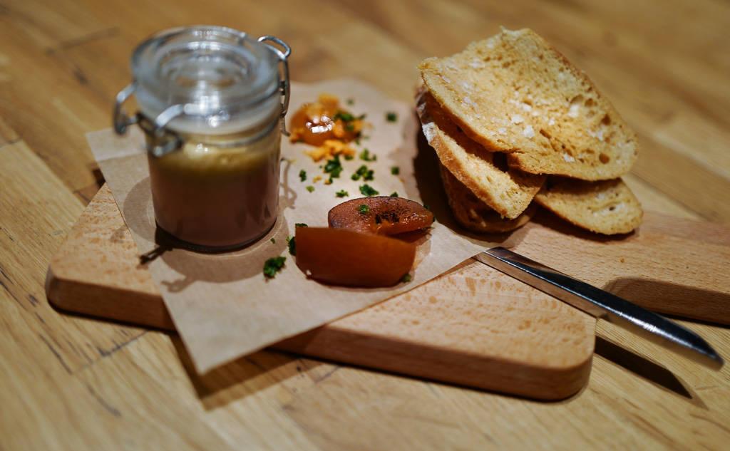 Madu GrimsGrenka oslo comfortFood helleskitchenL1350400 - Bortgjemt perle serverer byens beste tartar