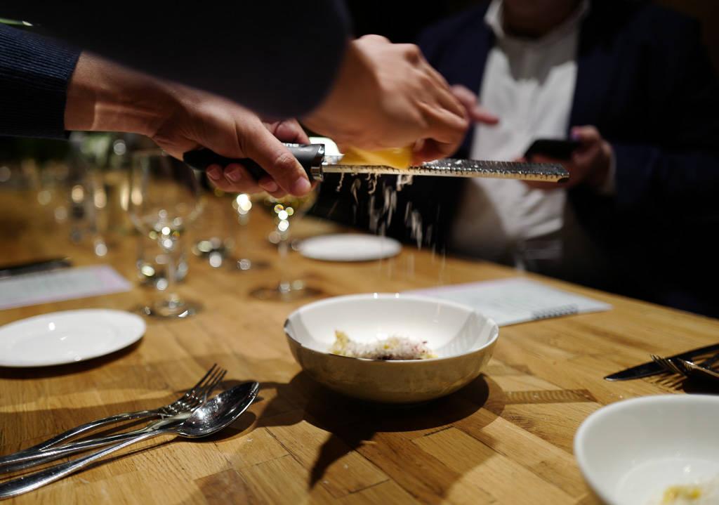 Madu GrimsGrenka oslo comfortFood helleskitchenL1350417 - Bortgjemt perle serverer byens beste tartar