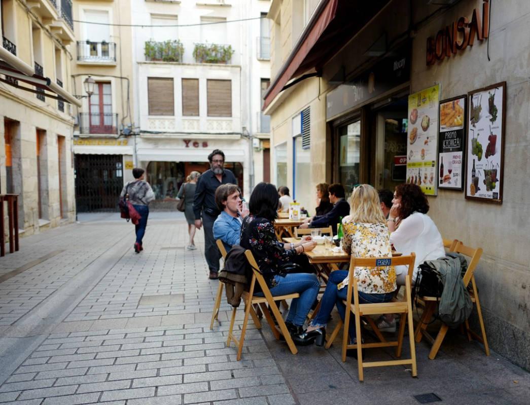 Pinchos lagrono larioja tapas helleskitchenL1320160 - Bli med til en av Spanias mest kjente tapasgater