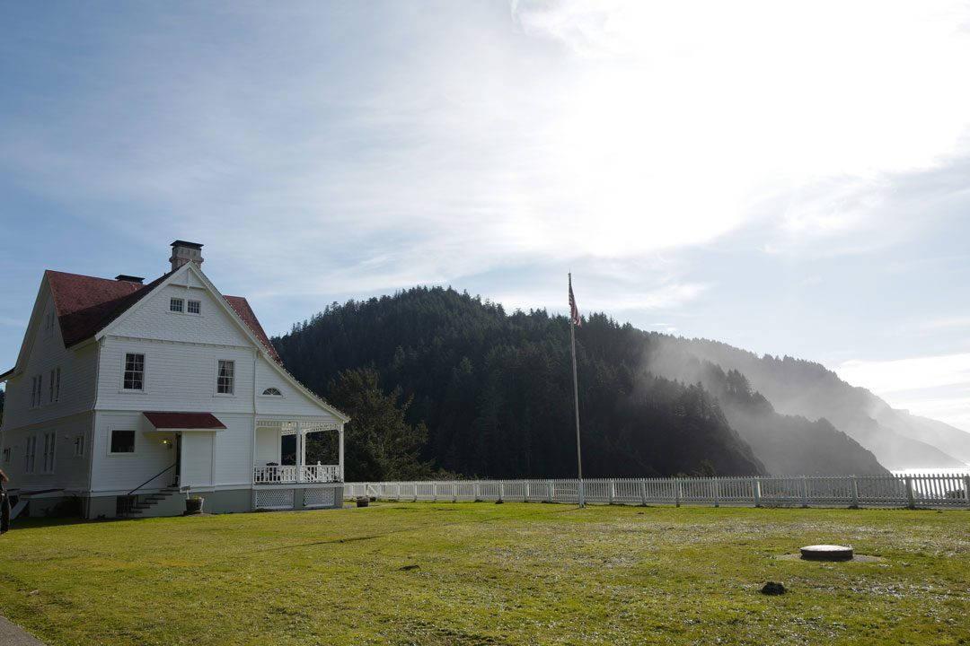 LighthouseHecetaHead 1080x720 - Trøfler og vin, fjell og sjø i Oregon