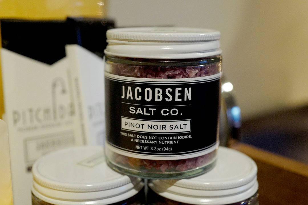 Pinot noir salt fra oregon 1080x720 - Trøfler og vin, fjell og sjø i Oregon
