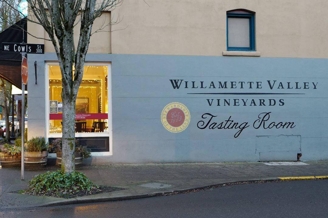 tasting room 1080x720 - Trøfler og vin, fjell og sjø i Oregon