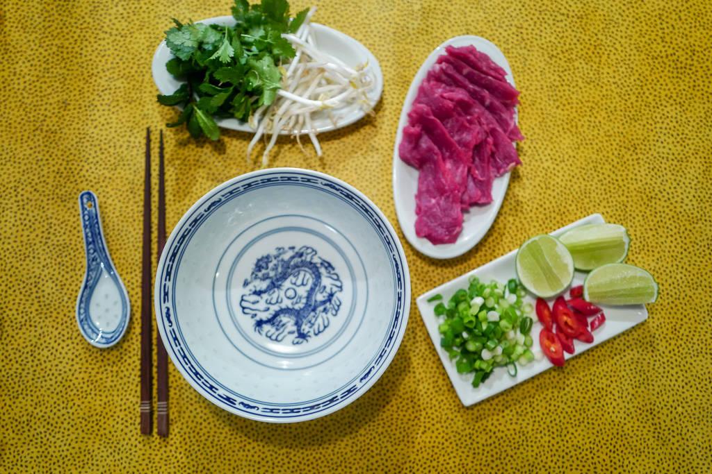 Pho helleskitchen vietnam hanoi saigonL1370218 - Phở bo – vietnamesisk kjøttsuppe