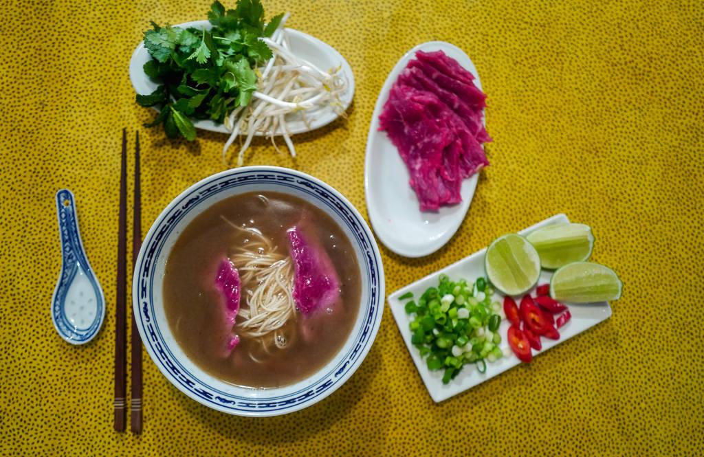 Pho helleskitchen vietnam hanoi saigonL1370220 - Phở bo – vietnamesisk kjøttsuppe
