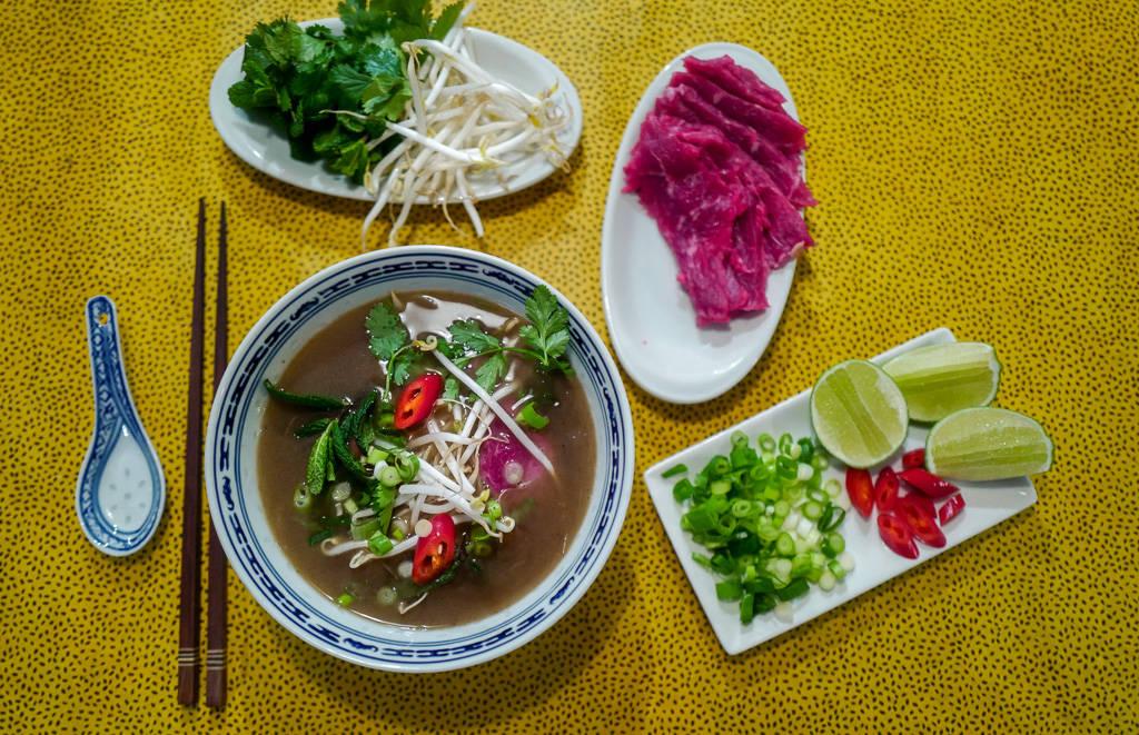 Pho helleskitchen vietnam hanoi saigonL1370221 - Phở bo – vietnamesisk kjøttsuppe