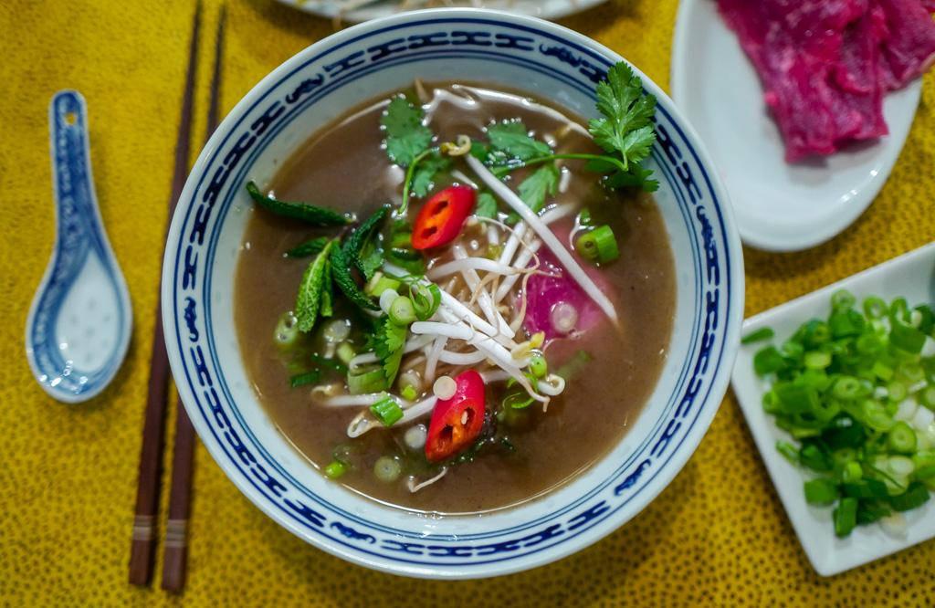 Pho helleskitchen vietnam hanoi saigonL1370223 - Phở bo – vietnamesisk kjøttsuppe