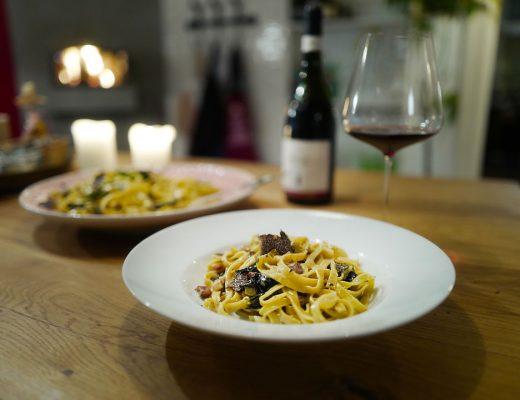 Trøfler truffles pasta scrambledeggs egg helleskitchenL1370032 520x400 - Unn deg en trøffel og få MANGE måltider