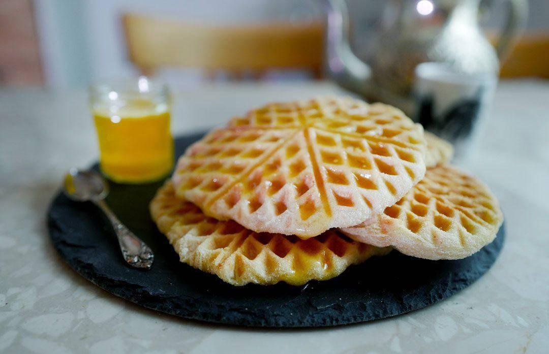 Vafler marokko marrokanskevafler helleskitchenL1370001 1080x697 - Marokkanske vafler med honningsmør