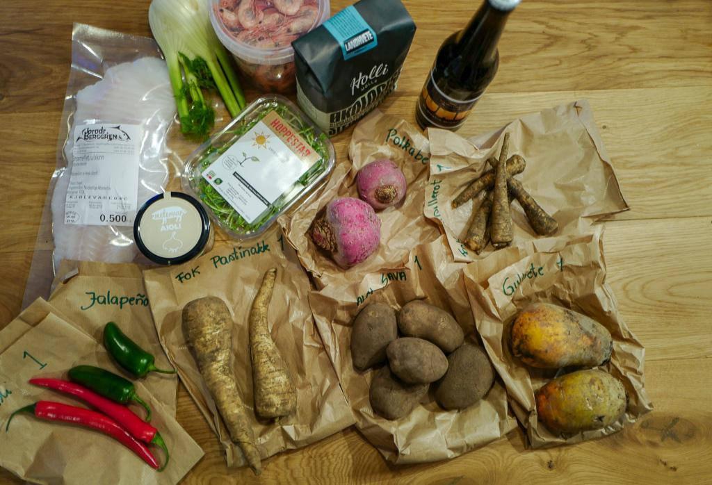 Fishchips chips fish helleskitchen dyrket.no netthandelL1380663 - Fish & rotchips med rekeremulade og fresh salat
