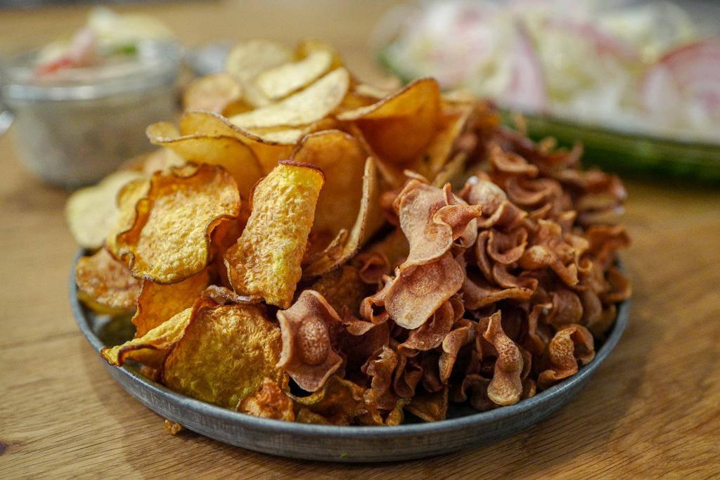 Fishchips chips fish helleskitchen dyrket.no netthandelL1380702 - Fish & rotchips med rekeremulade og fresh salat