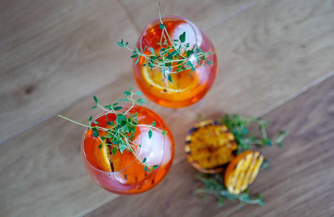 L1420742 - Spritz med grillet appelsin og timian