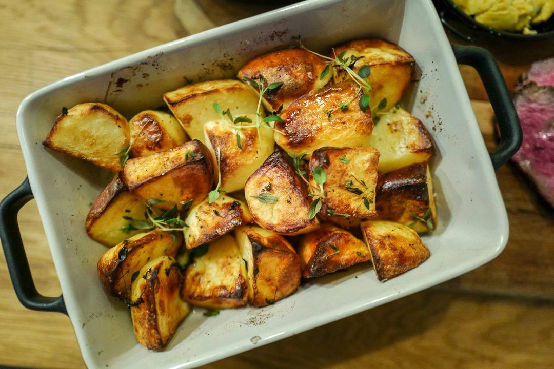 L1420773 1080x720 - De aller beste potetene, kryddersmør og en perfekt grillet biff
