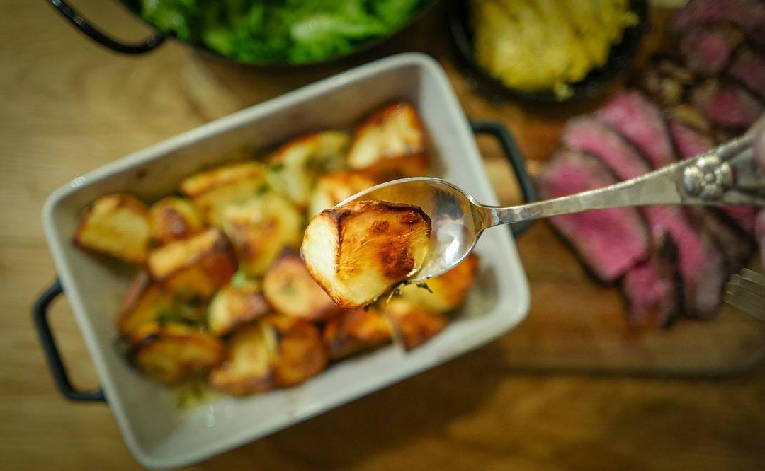 L1420778 1080x666 - De aller beste potetene, kryddersmør og en perfekt grillet biff