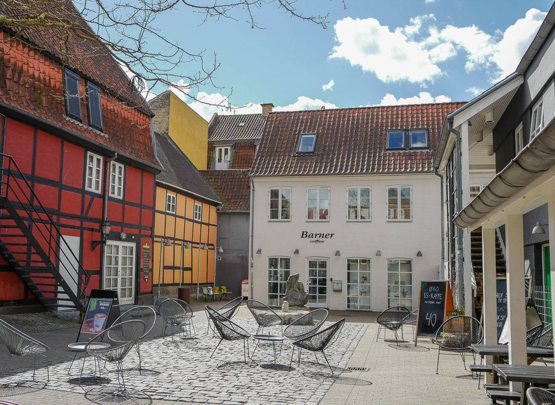 Odense danmark L1430555 1080x787 - Danmark rundt med tog. Første stopp: Odense