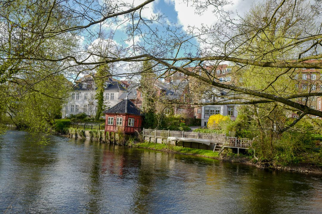 Odense danmark L1430588 1080x720 - Danmark rundt med tog. Første stopp: Odense