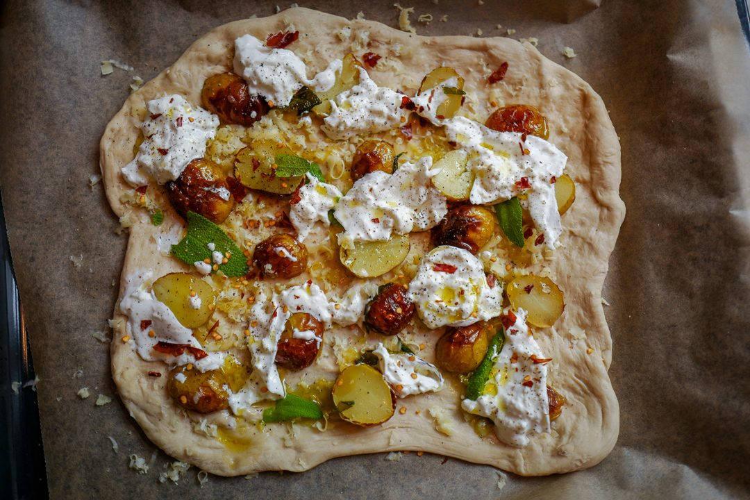 L1470751 1080x720 - Pizza med årets herligste poteter