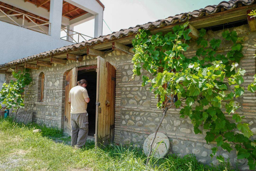 Tbilisi Georgia amberwine orangewine helleskitchenL1480432 2Tbilisi georgia amber wine helleskitchen 1080x720 - Georgia – landet der oransjevin har vært trendy i 8000 år