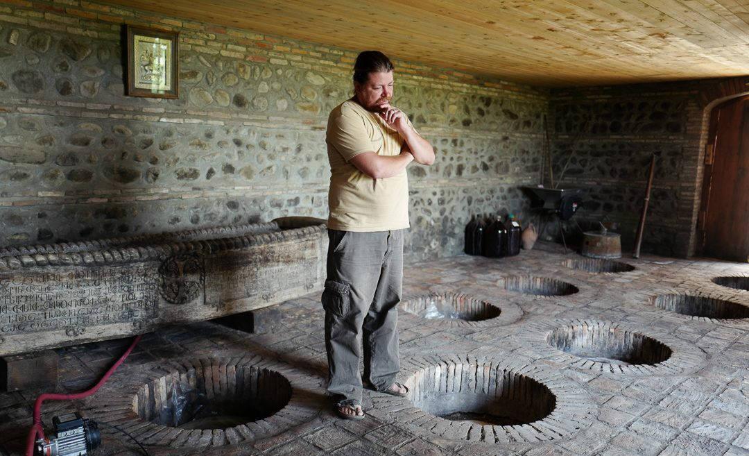 Tbilisi Georgia amberwine orangewine helleskitchenL1480438Tbilisi georgia amber wine helleskitchen 1080x657 - Georgia – landet der oransjevin har vært trendy i 8000 år