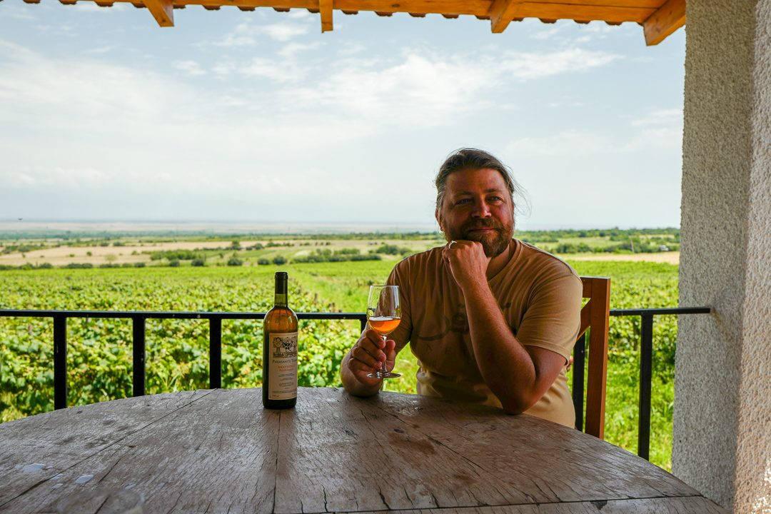 Tbilisi Georgia amberwine orangewine helleskitchenL1480457Tbilisi georgia amber wine helleskitchen 1080x720 - Georgia – landet der oransjevin har vært trendy i 8000 år