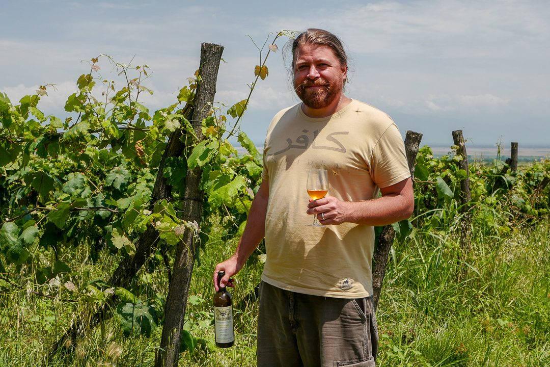 Tbilisi Georgia amberwine orangewine helleskitchenL1480459Tbilisi georgia amber wine helleskitchen 1080x720 - Georgia – landet der oransjevin har vært trendy i 8000 år