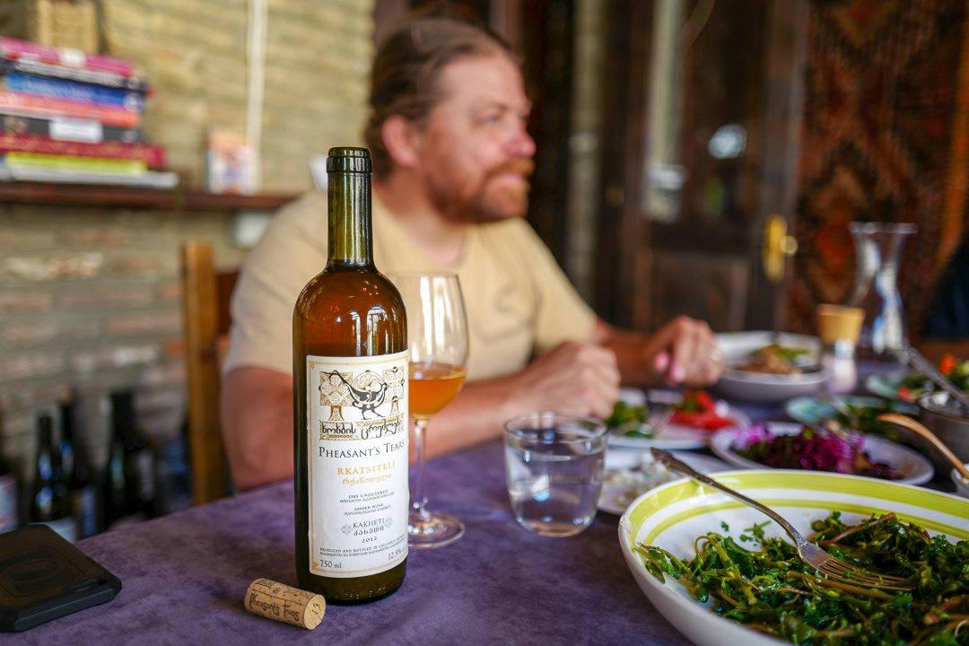 Tbilisi Georgia amberwine orangewine helleskitchenL1480507Tbilisi georgia amber wine helleskitchen 1080x720 - Georgia – landet der oransjevin har vært trendy i 8000 år