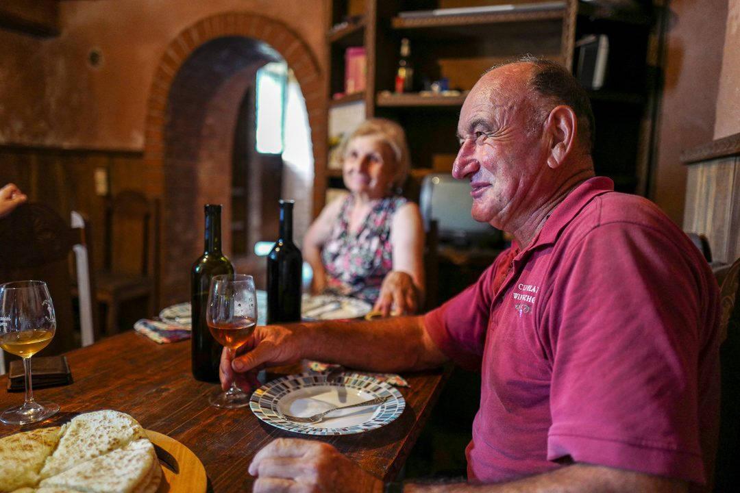Tbilisi Georgia amberwine orangewine helleskitchenL1480570Tbilisi georgia amber wine helleskitchen 1080x720 - Georgia – landet der oransjevin har vært trendy i 8000 år