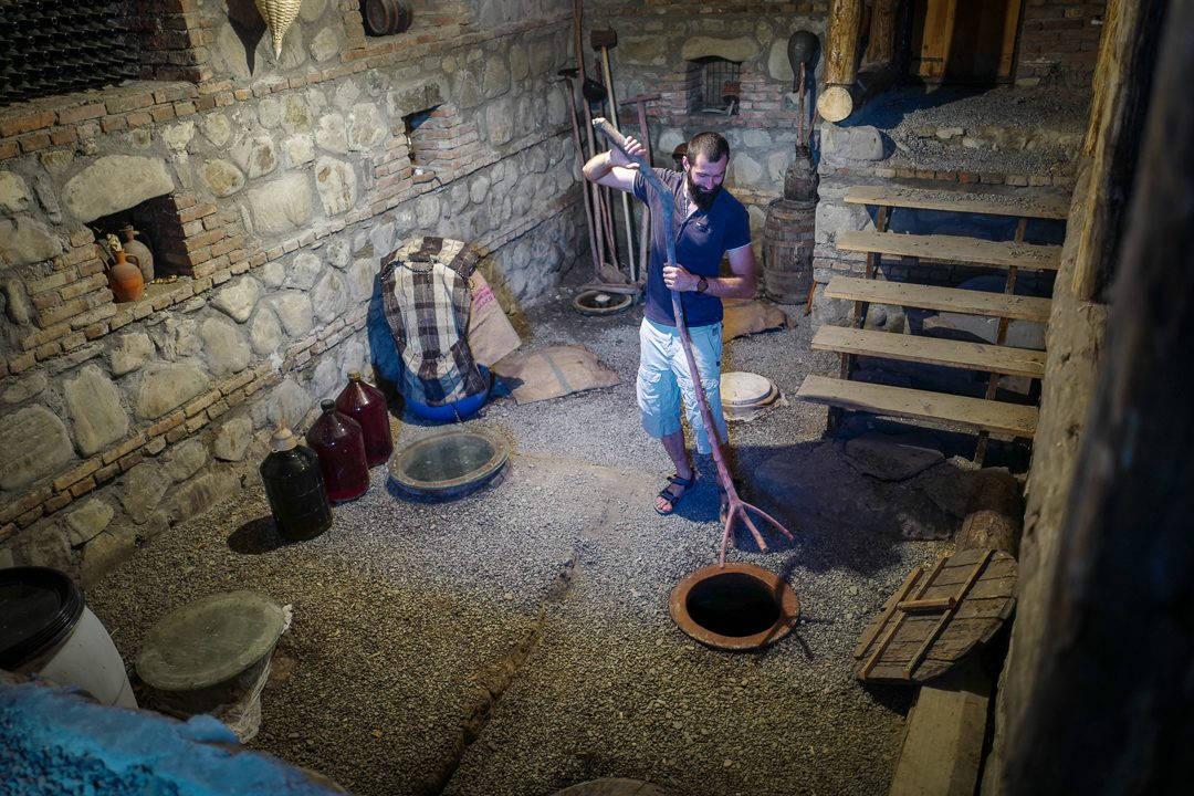 Tbilisi Georgia amberwine orangewine helleskitchenL1480609Tbilisi georgia amber wine helleskitchen 1080x720 - Georgia – landet der oransjevin har vært trendy i 8000 år