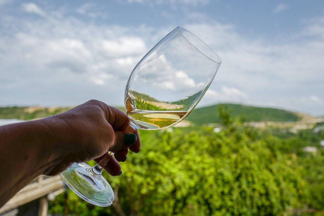 Tbilisi Georgia amberwine orangewine helleskitchenL1480717Tbilisi georgia amber wine helleskitchen 1080x720 - Georgia – landet der oransjevin har vært trendy i 8000 år