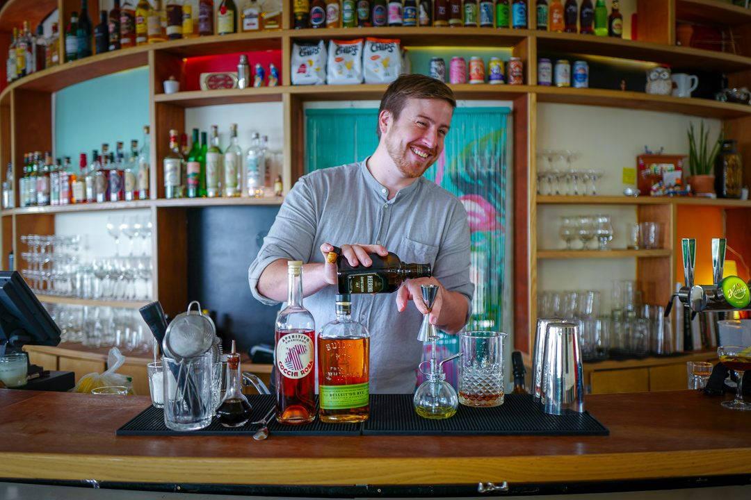 L1530287 1080x720 - Jonas kan bli verdens beste bartender med fokus på matsvinn – og geiteblod